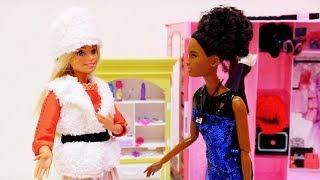 Шопинг с Барби: покупаем зимние вещи. Видео для девочек