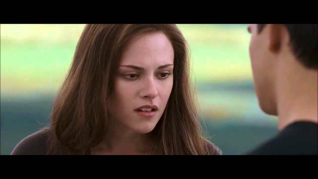 Bella and Jacob kiss - Twilight 3