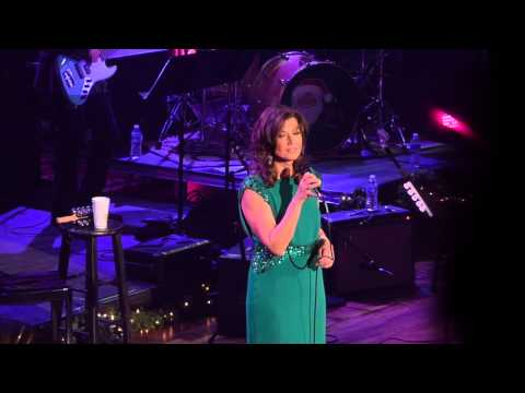 Amy Grant, Christmas Can't Be Very Far Away