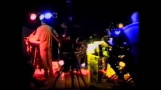 confortably numb (pink floyd) performed by THE LITTLE BLACK BOOK BAND The Wall live 1998
