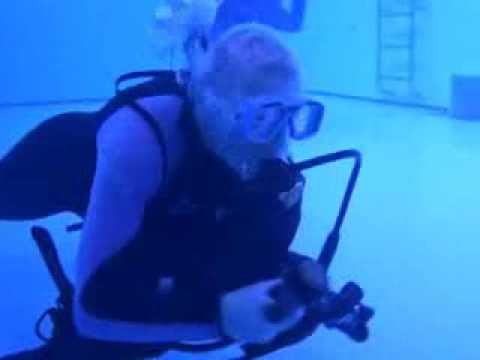 Underwater swimming  -  Marlene & Peter