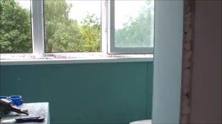 видео Остекляем балкон и лоджию