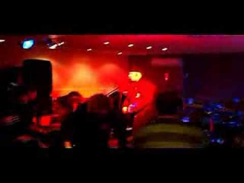 Rehab For Quitters & Strawberry Fist Cake - 2012 Australian Tour Video