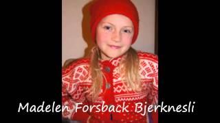 """""""Tenn et lite lys"""" sunget av Madelen Forsback Bjerknesli 9 år."""