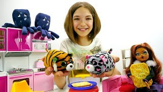 Видео для девочек - куклы Монстер Хай и хомяки