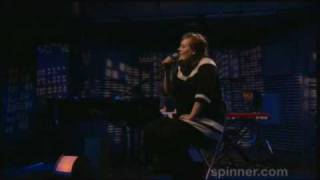 ADELE - Make You Feel My Love live acoustic (Spinner.com)