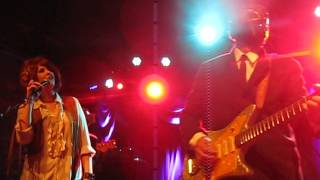 "LOS STRAITJACKETS -- ""THE LONELY BULL"""