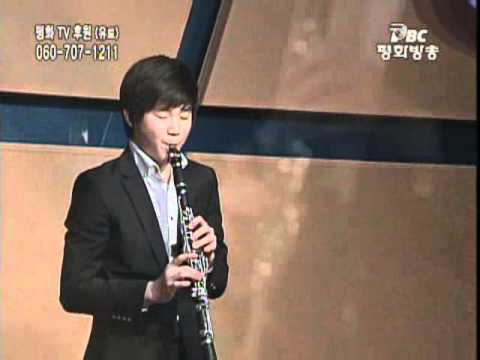 Han Kim plays Ave Maria - Tanti Anni Prima Ballade - by A. Piazzolla