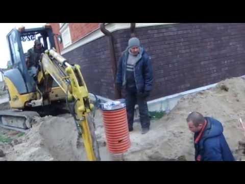 Как выкопать узкую траншею для ливневки мини-экскаватором - Steh39.ru