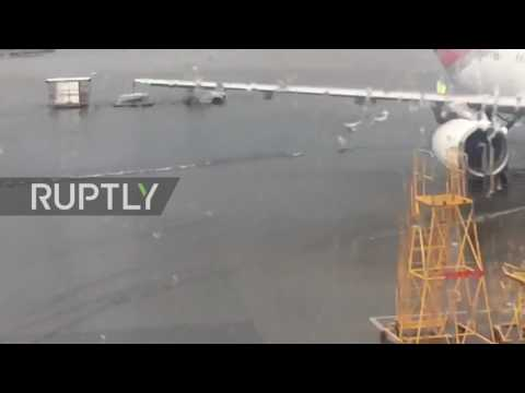 Russia: Floods cause delays at Moscow