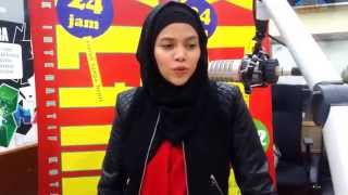 Video Syurga - Alyah | 1 April 2015 | #HB2URTM | Jom Jam Akustik download MP3, 3GP, MP4, WEBM, AVI, FLV Mei 2018