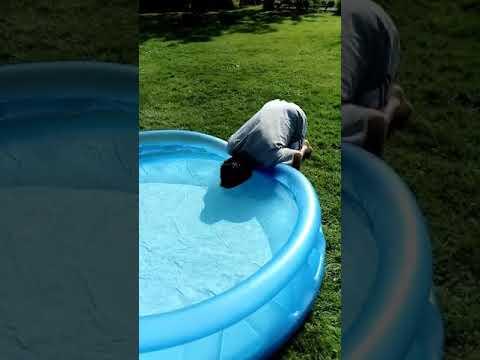 WOW! Romé met sa tête dans l'eau pendant au moins 40 sec feat Squeezie