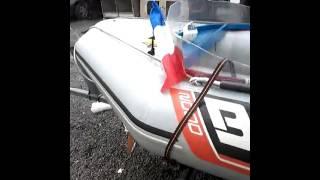 Mon bateaux bombard 2000 avec moteur 6 cv