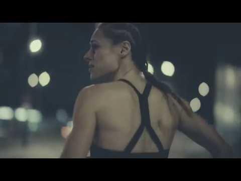Fisz Emade Tworzywo - Biegnij dalej sam (official video)