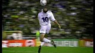Zinedine Zidane VS Ronaldinho - Les 2 Meilleurs 10 Du Monde
