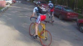 Девушку-спортсменку не догнал на велосипеде. Парк в Крылатском