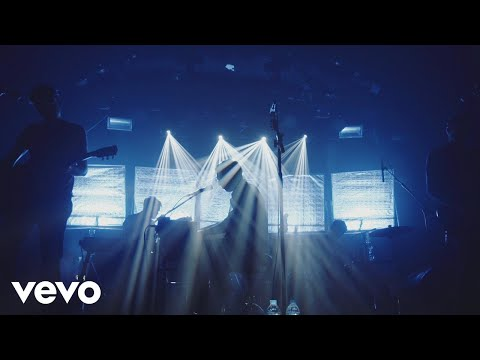 Everything Everything - A Fever Dream (Live From Heaven)