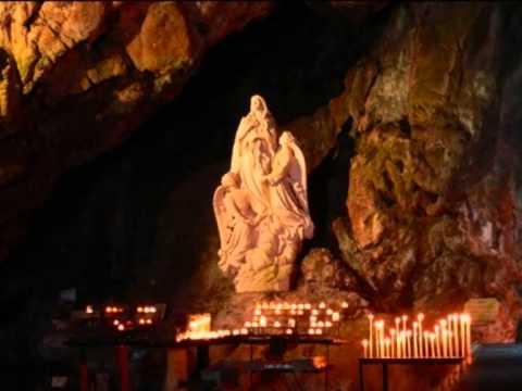 Grotte de sainte marie madeleine massif de la sainte baume for Garage santamaria saint maximin