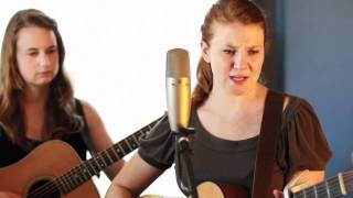 Della Mae plays Blessed Hands