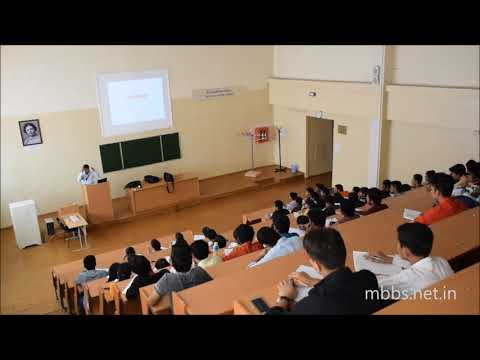 Indian Professor giving lecture at Foreign Medical College MCI Coaching
