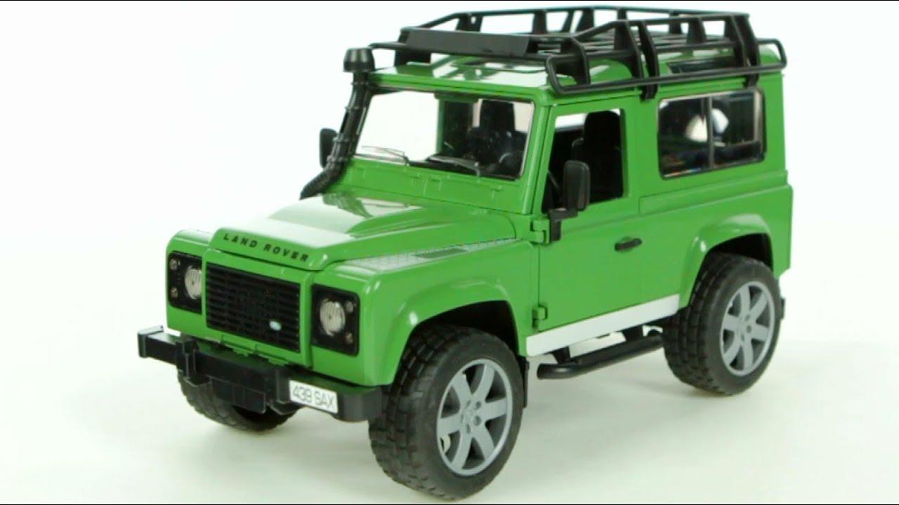 land rover defender station wagon bruder 02590. Black Bedroom Furniture Sets. Home Design Ideas