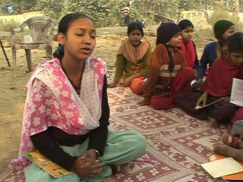 Mobile school spreads literacy in Delhi's slums