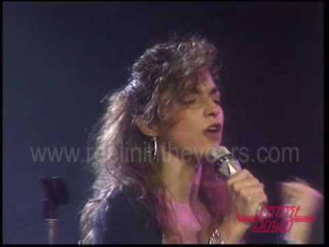 """Gloria Estefan & Miami Sound Machine- """"Conga"""" on Countdown 1988"""