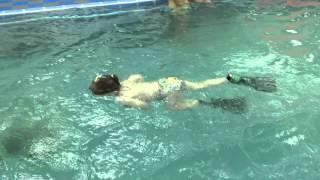 Плаваем в ластах- Обучение плаванию в бассейне в Минске для детей (Курсы,Секция,занятия)