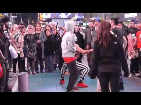 New York Mime 'Bimbo's' Times Square Performance..Part 1