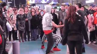 New York Mime 'Bimbo's' Times Square Performance..Part 1