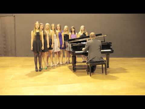 Cantare Female Choir singing Viva La Vida