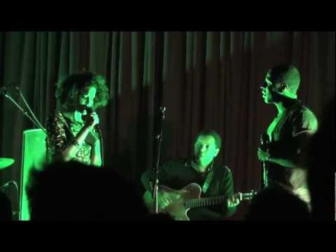 Aline Frazão & Dino D'Santiago - Petit Pays - Live in Berlin (5/9) mp3
