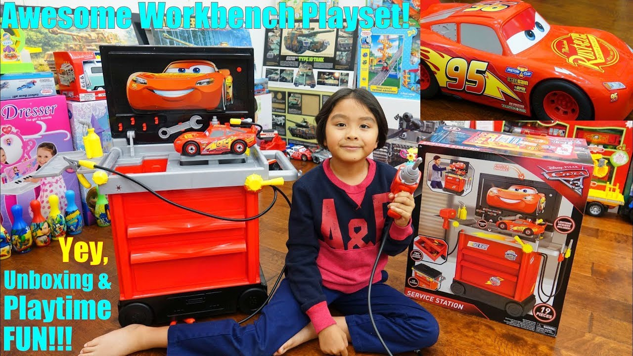 Toy CARS for Kids! A Car Repair Shop Playset. Car Mechanic ...