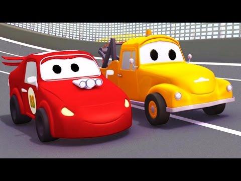 Bärgningsbilen Tom och racerbilen Jerry i Bilköping (sammanställning) | Byggserier om bilar