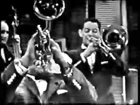 Muskrat Ramble -Louis Armstrong and Edmund Hall 1958.mov