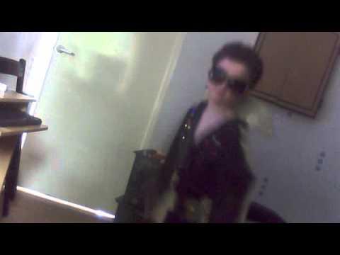 If i can dream  by Aaronas mini Elvis!!