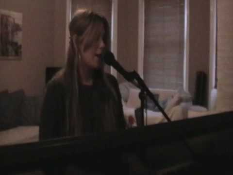 Alice Penrose - Me Singing Bust Your Windows (Jasmine Sullivan)