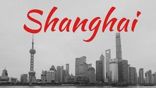 They don't see black people in China that often... 24hrs in Shanghai China 4k - 上海