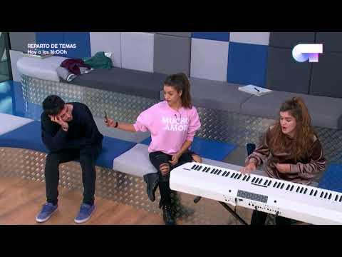 Amaia deja impresionados a sus compañeros tocando el piano   OT 2017
