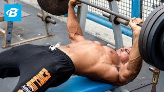 "6'9"" ft Tall Bodybuilder Ike Catcher: Chest & Shoulder Workout"