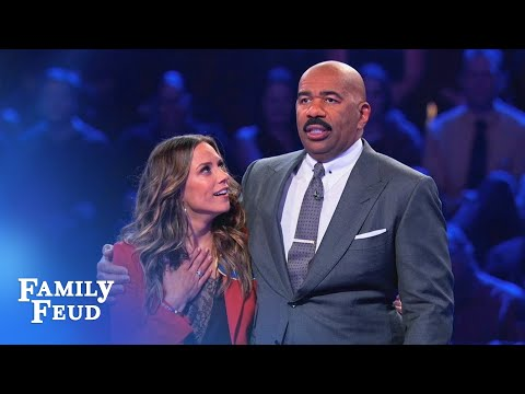 Jana Kramer's FANTASTIC Fast Money! | Celebrity Family Feud