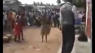 Shocking!! Watch the spiritual fight between a pastor and juju men Resimi