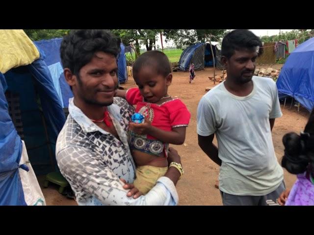 Preaching Jesus at roadside slum in India