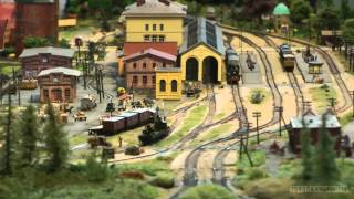 Amazing Model Railway Z Scale with Micro Trains Z Gauge