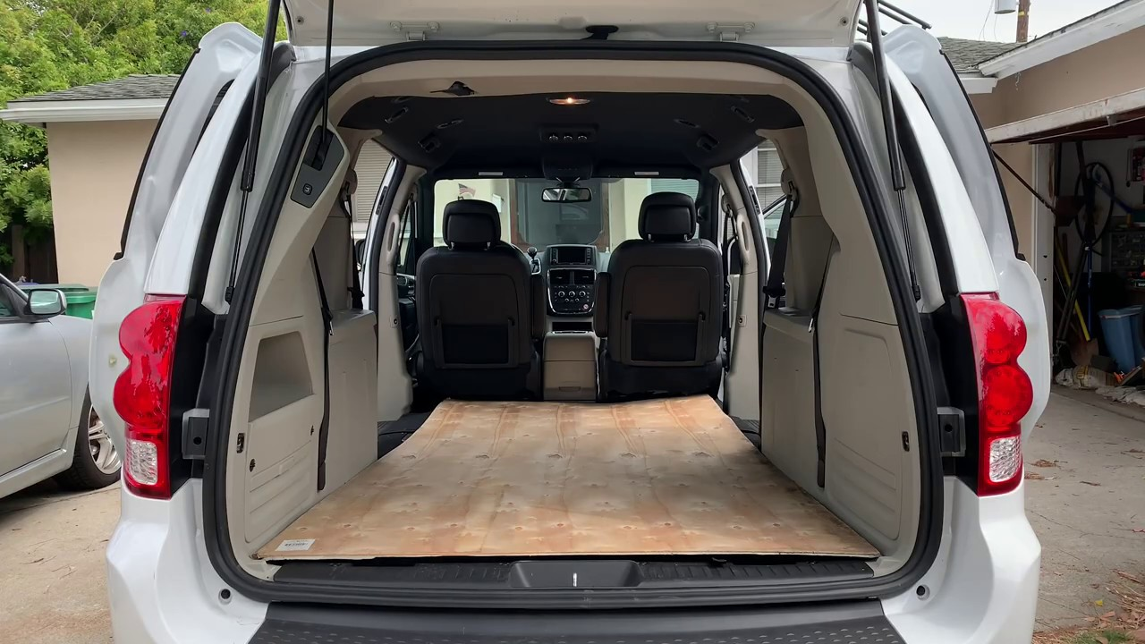How Big Is The Inside Of A Dodge Grand Caravan Youtube