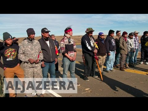 North Dakota pipeline: Protesters clash with police