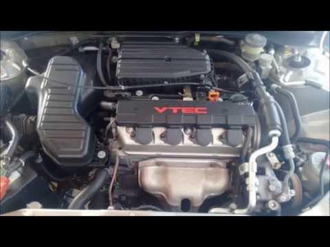 Pintando o  VTEC  da tampa do motor (Civic 2005 Vtec)