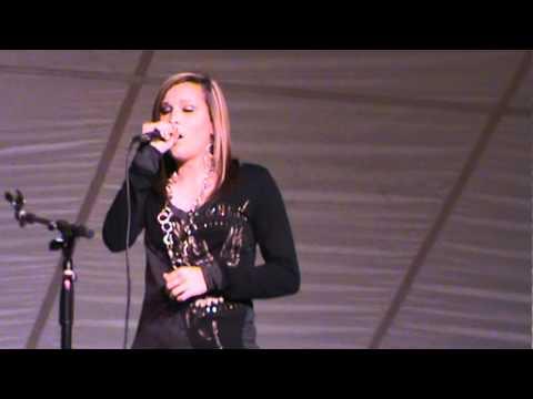 Kelsie Smalley singing