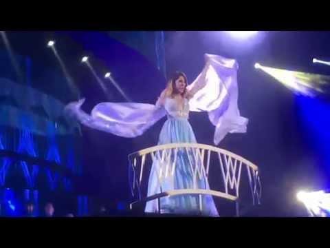 Martina Stoessel (Violetta) - Libre Soy (La Reine Des Neiges) (Violetta Live - Clermont-Ferrand)