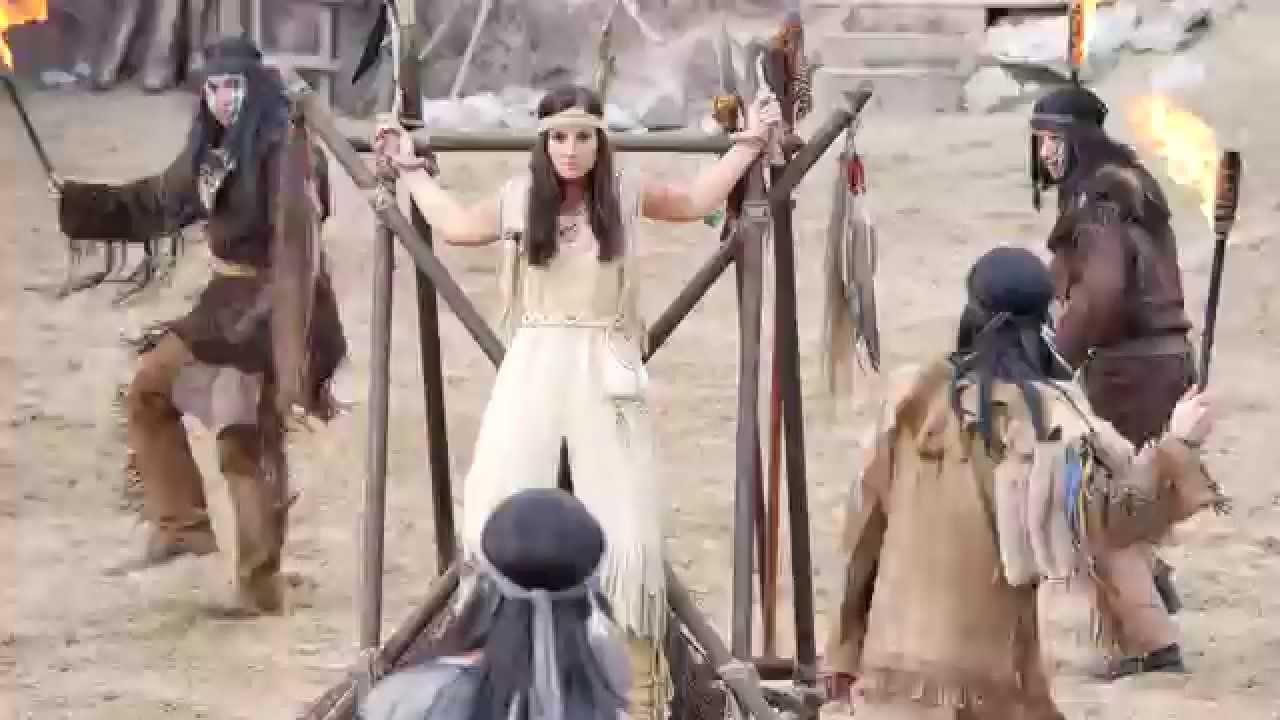 Cowgirls und Indianer nackt